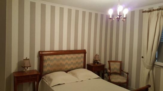 Papier peint dans une chambre
