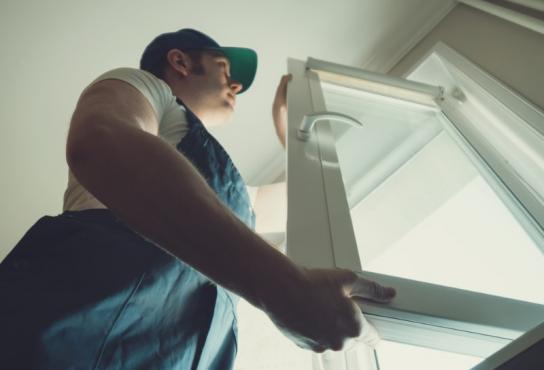 Société installant une fenêtre PVC
